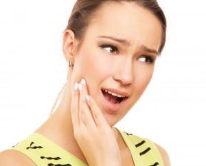 Thói quen vệ sinh răng miệng không đúng cách dễ dẫn đến các bệnh về răng miệng